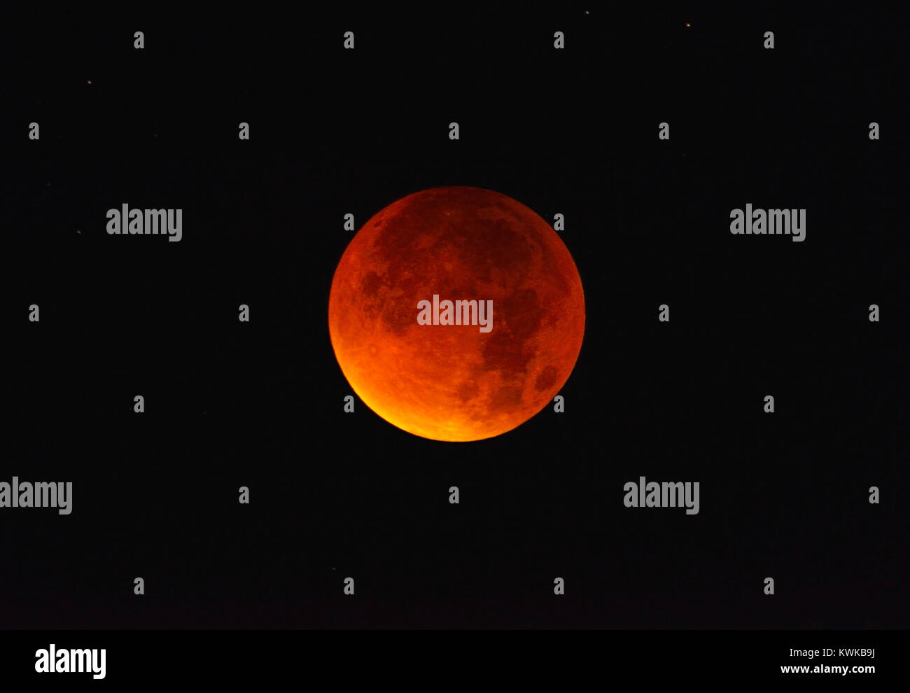 Complete lunar eclipse in the 9/28/2015 in Hamburg, Totale Mondfinsternis am 28.09.2015 in Hamburg - Stock Image