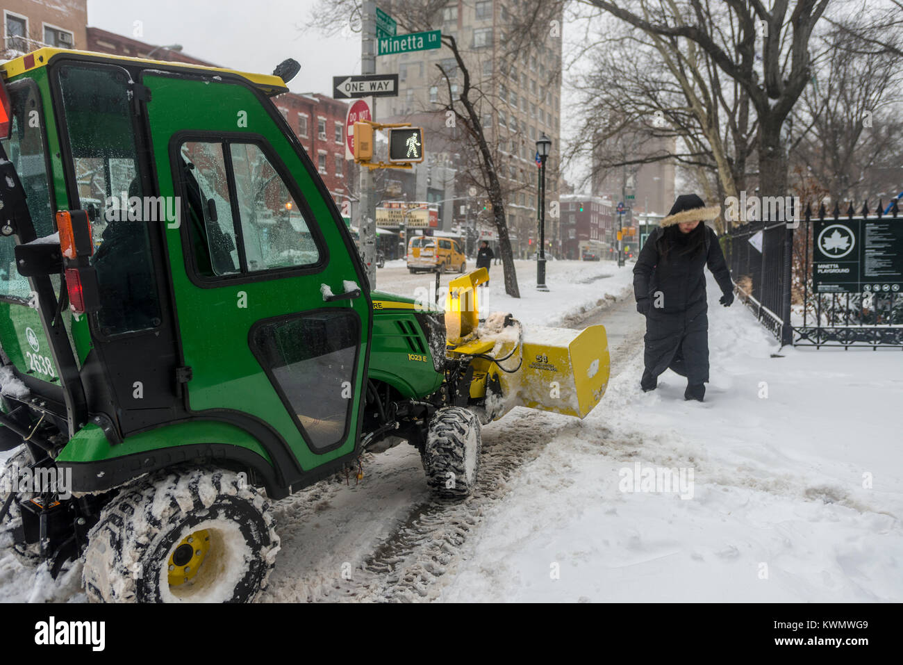 New York, USA. 4th Jan, 2018. New Yorkers trudge through the first snowstorm of  2018. The New York City Parks Department - Stock Image