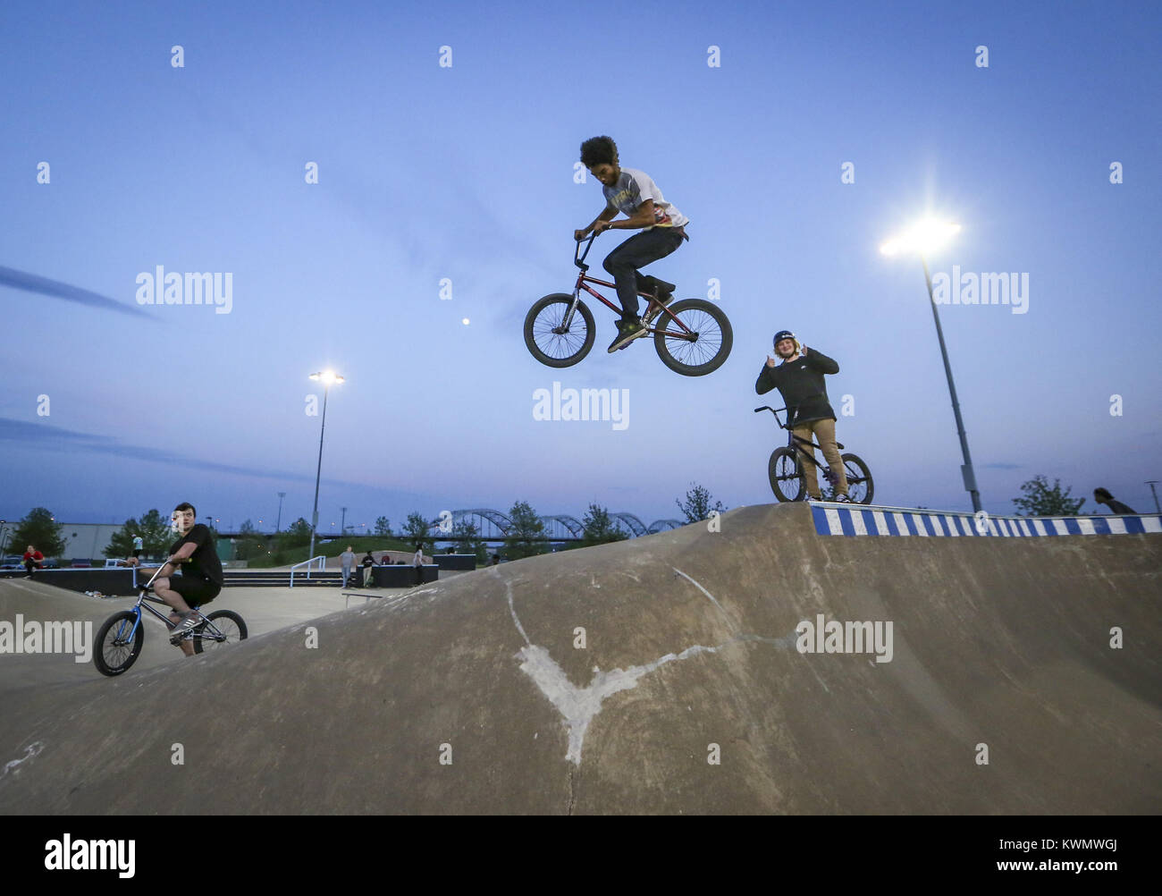 Davenport, Iowa, USA. 8th May, 2017. Adrian McBride, 16, of Rock Island airs out of a roll-in ramp with a hip landing - Stock Image