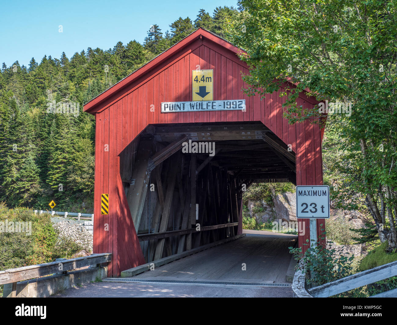 Point Wolfe covered Bridge, Fundy National Park, Bay of Fundy, New Brunswick, Canada. - Stock Image