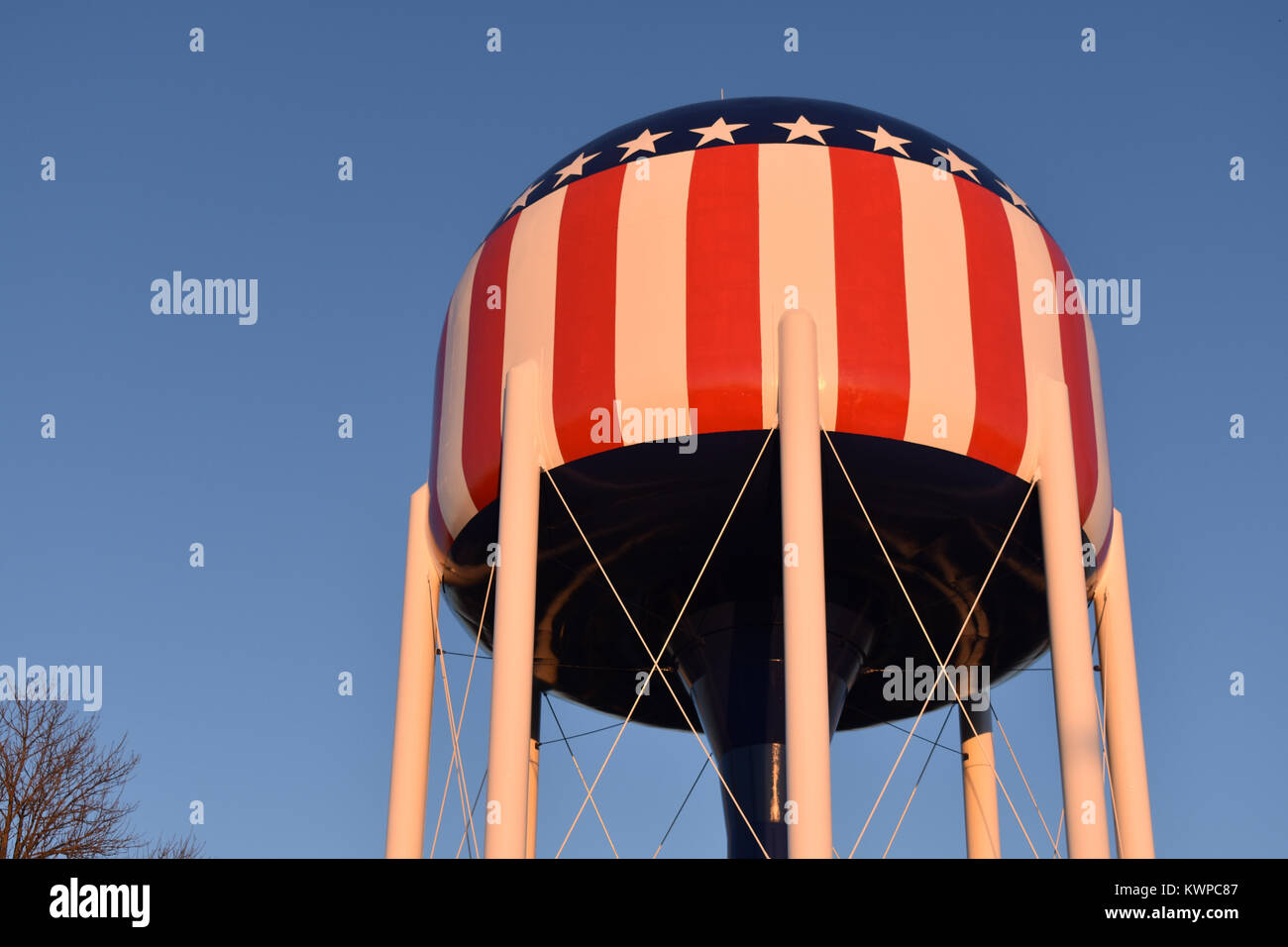 Red, white, and blue water tower in Bowling Green, Kentucky - Stock Image