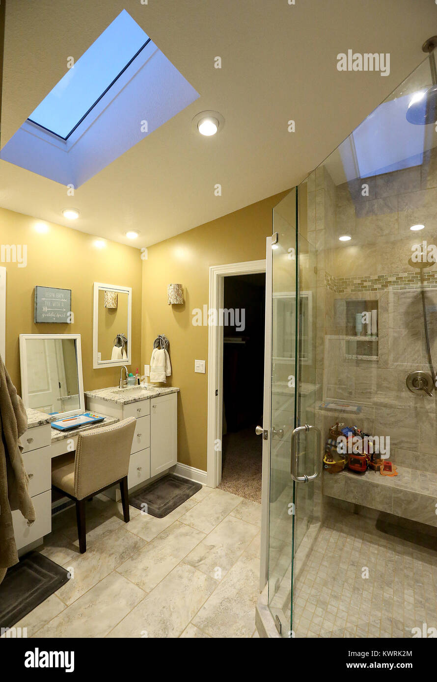 Bettendorf, Iowa, USA. 22nd Feb, 2017. The master bathroom does not have a tub, but has three shower heads and plenty - Stock Image
