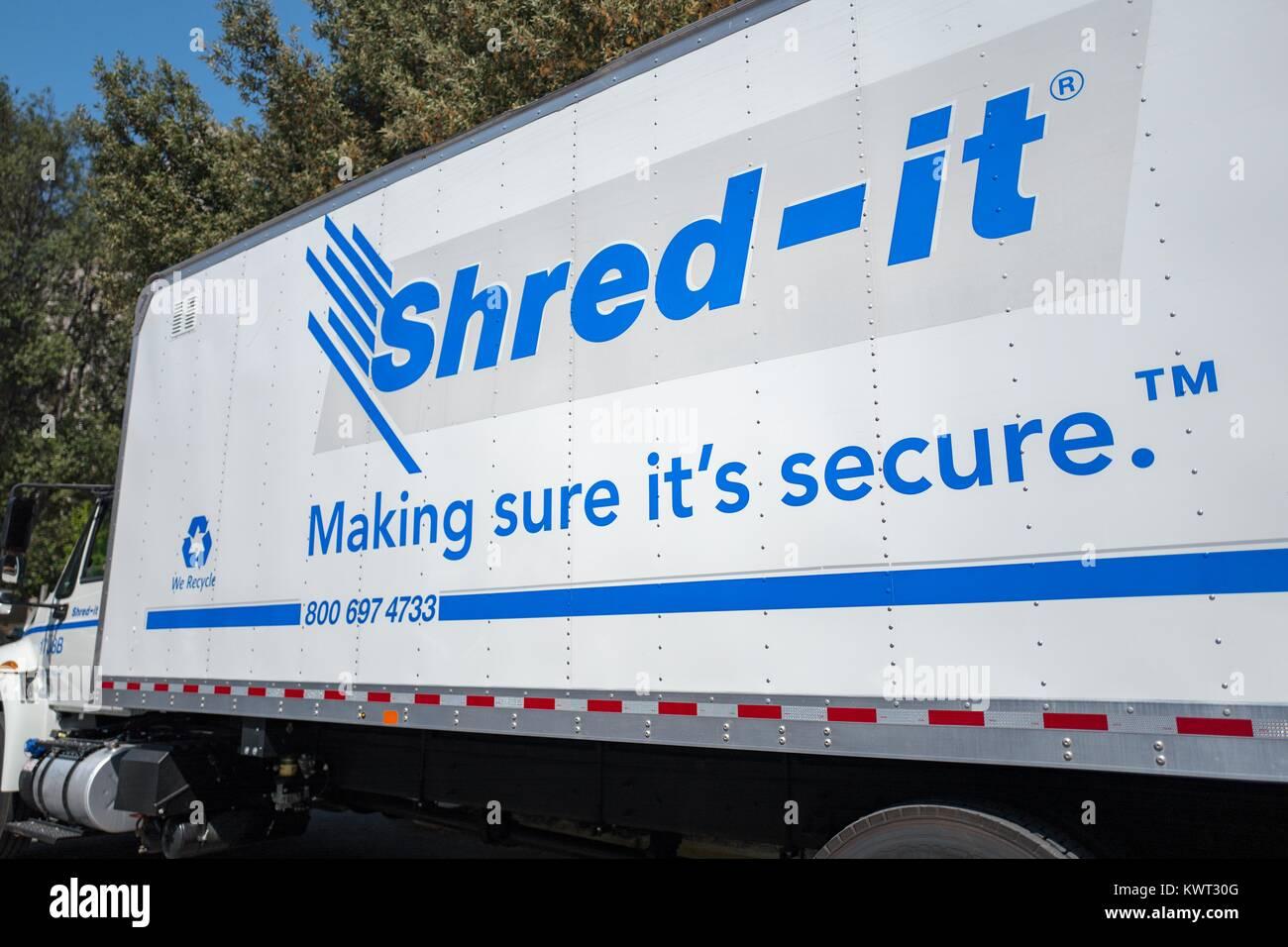 Logo on a mobile shredding truck for the document destruction