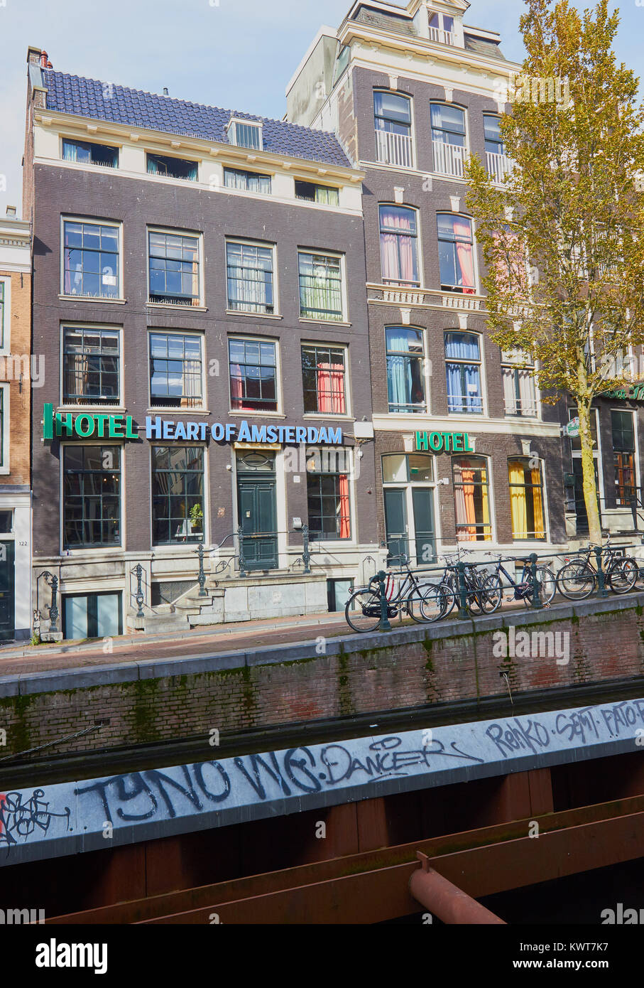 Hotel Heart Of Amsterdam A Hostel In The Red Light District De