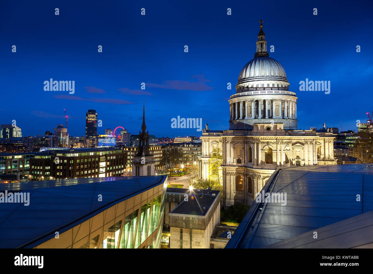 Twilight at Saint Paul Cathedral Dome - Stock Image