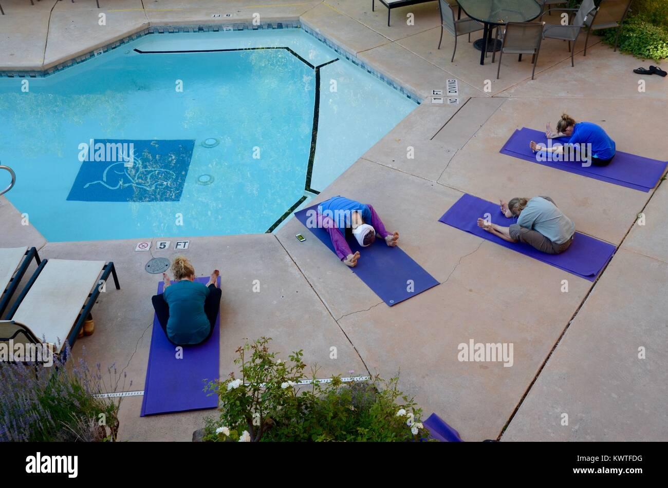 poolside yoga lesson at the hotel santa fe and hacienda  new mexico USA - Stock Image