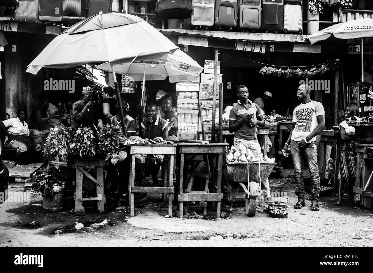 A busy market in Lagos Nigeria. - Stock Image