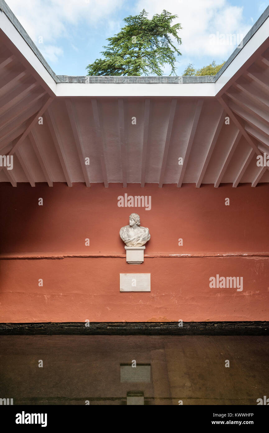 Antony House, Torpoint, Cornwall, UK. The interior of the Bath House of 1784 with its plunge pool and open roof - Stock Image