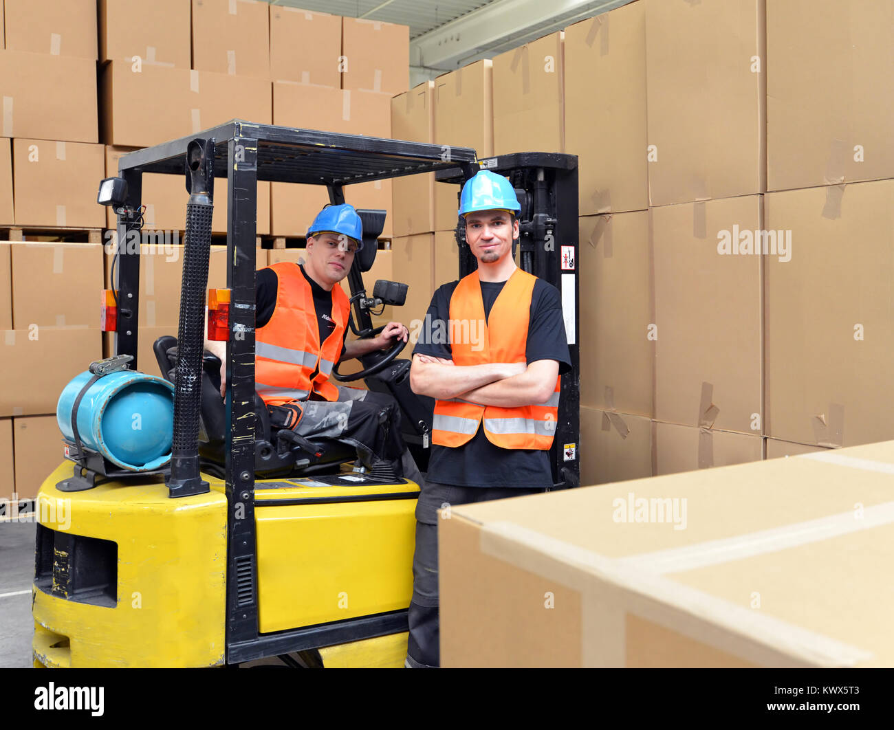 forklift trucks stock photos forklift trucks stock images alamy. Black Bedroom Furniture Sets. Home Design Ideas