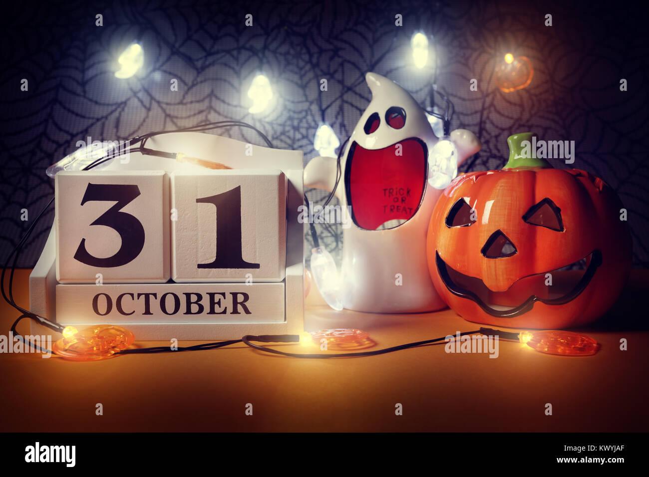 Halloween Calendar Date 31st October With Pumpkin And Ghost