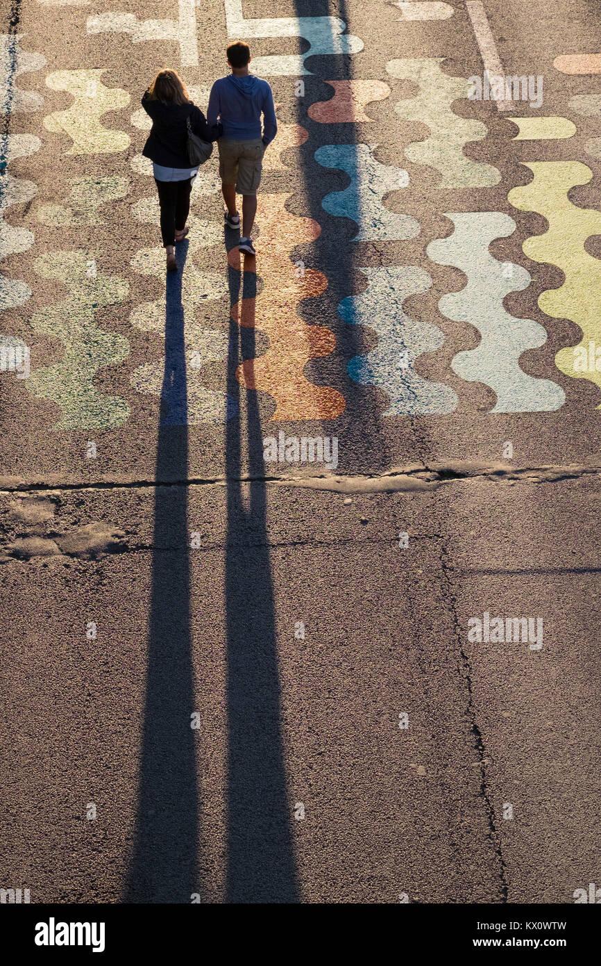France, Paris (75), Walking along the Seine near the Pont de la Concorde on the left bank - Stock Image