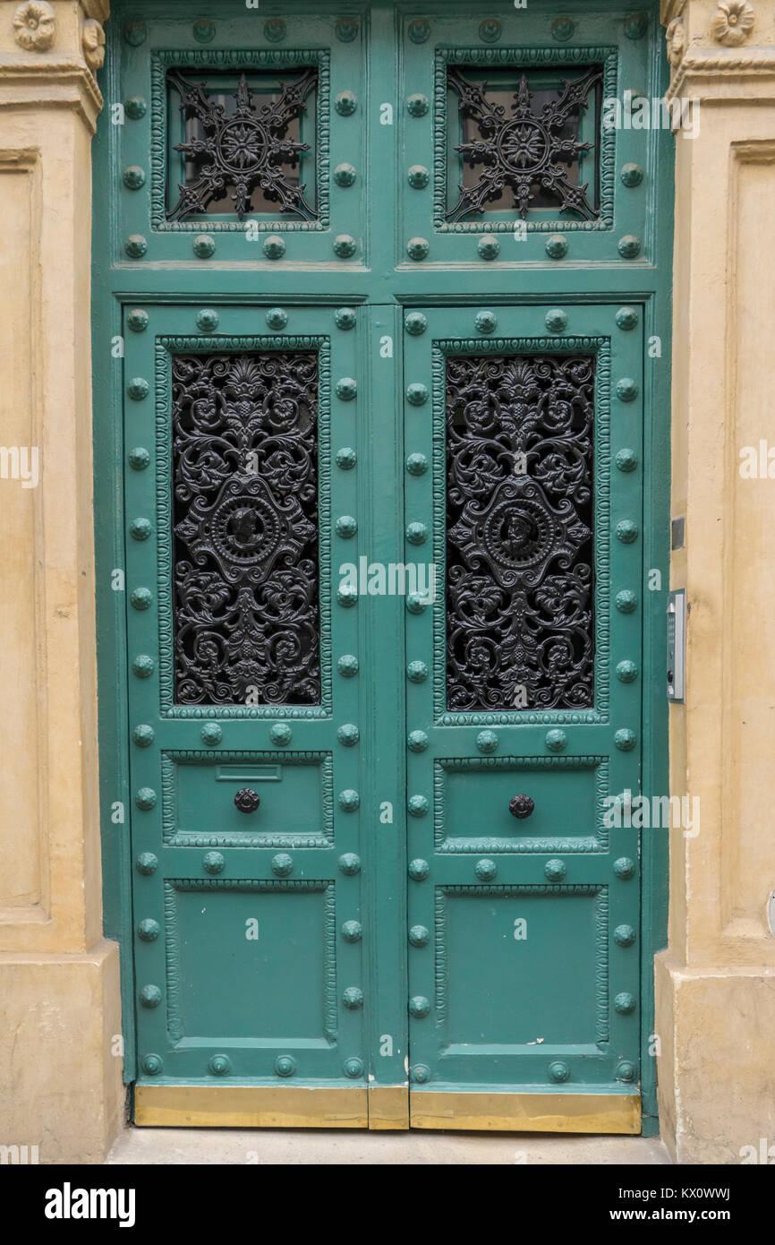 France, Paris (75), Door in the 5th arrondissement - Stock Image