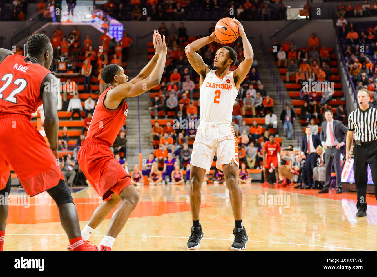 Clemson Tigers guard Marcquise Reed (2) shoots a jumpshot during 2nd half action of the NCAA basketball game between - Stock Image