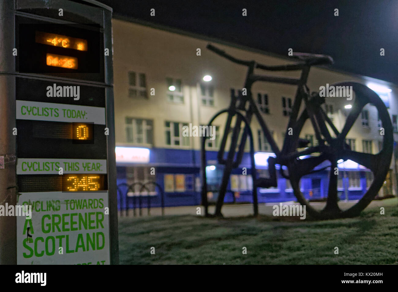 Glasgow, Scotland, UK 7th January.UK Weather: The city freezes overnight as the the,temperature drops to minus 5.The - Stock Image