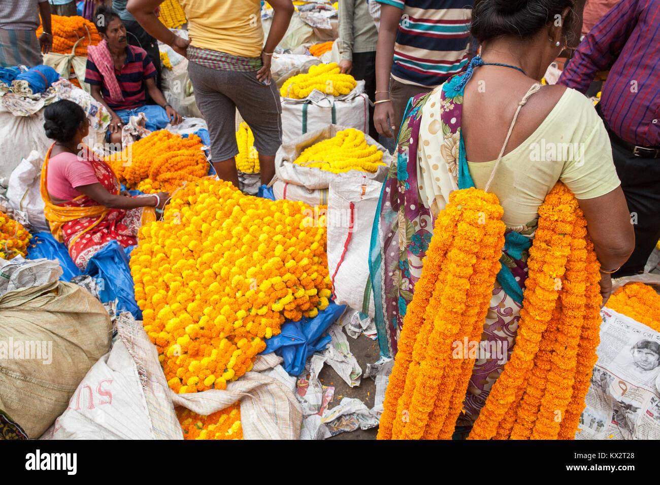 Malik Ghat flower market in Kolkata - Stock Image