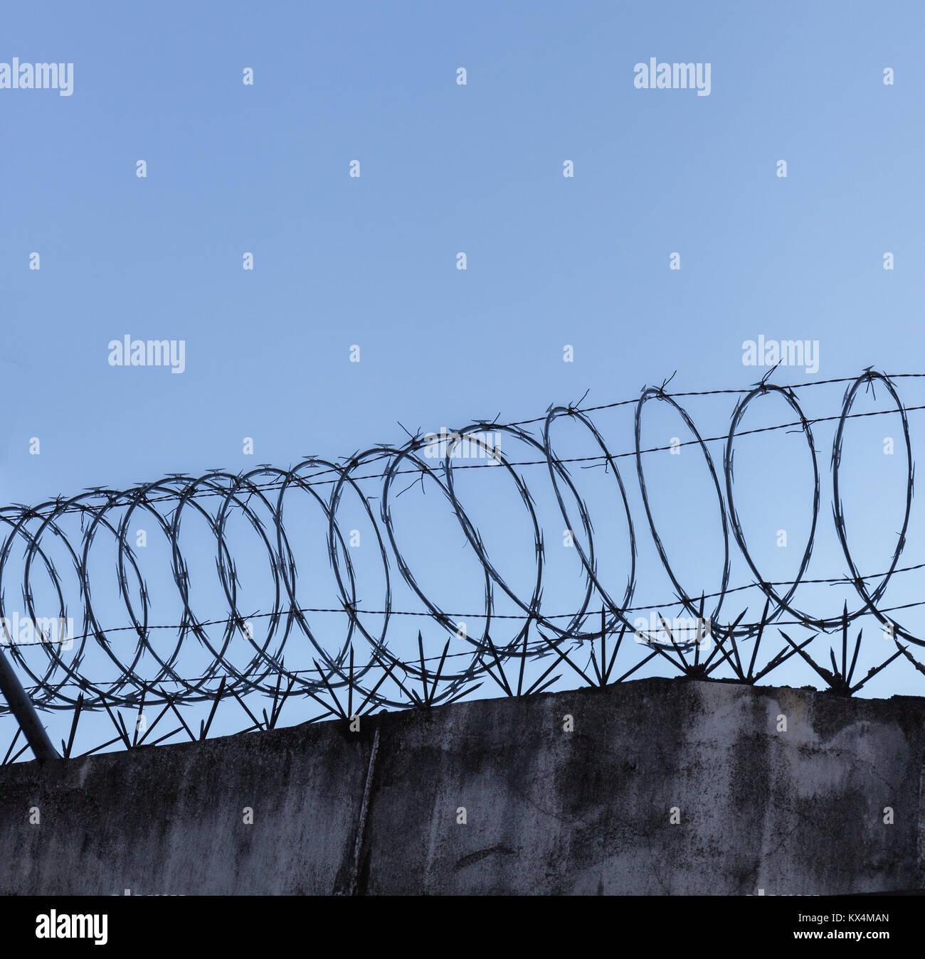 Barbed Wire Grunge Background Stock Photos & Barbed Wire Grunge ...