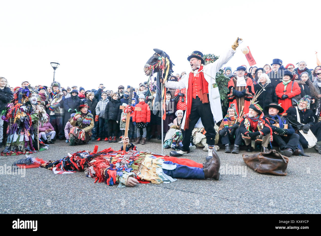 London UK. 7th January 2018. Mummers from Lions Part  perform in a folk play near the Globe Theatre  in celebration Stock Photo