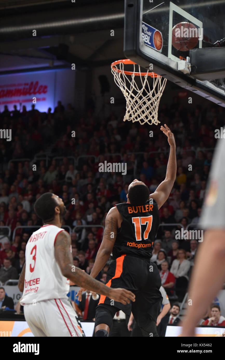 Bamberg, Germany. 7th January, 2017. Basketball - BBL - Brose Bamberg vs. Ratiopharm Ulm  - Bild: v. lk. Dorrell - Stock Image