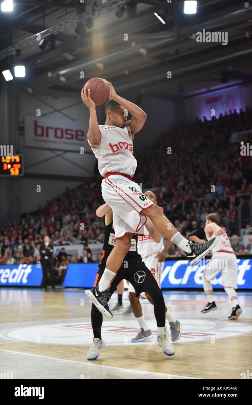 Bamberg, Germany. 7th January, 2017. Basketball - BBL - Brose Bamberg vs. Ratiopharm Ulm  - Bild: v. lk. Maodo Lô - Stock Image