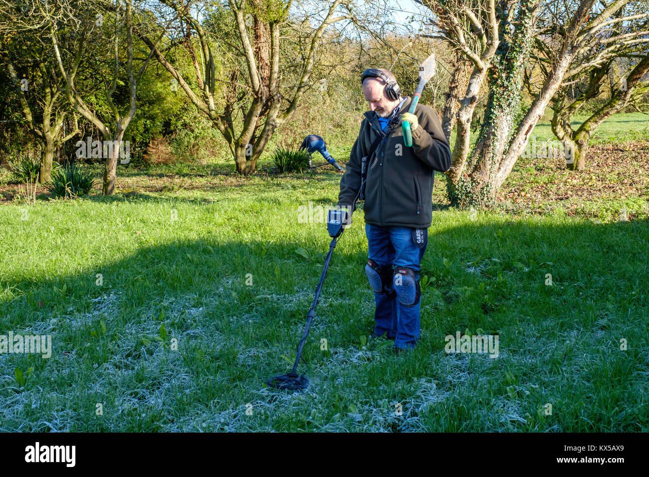 Jew Detector: Man Metal Detecting Stock Photos & Man Metal Detecting