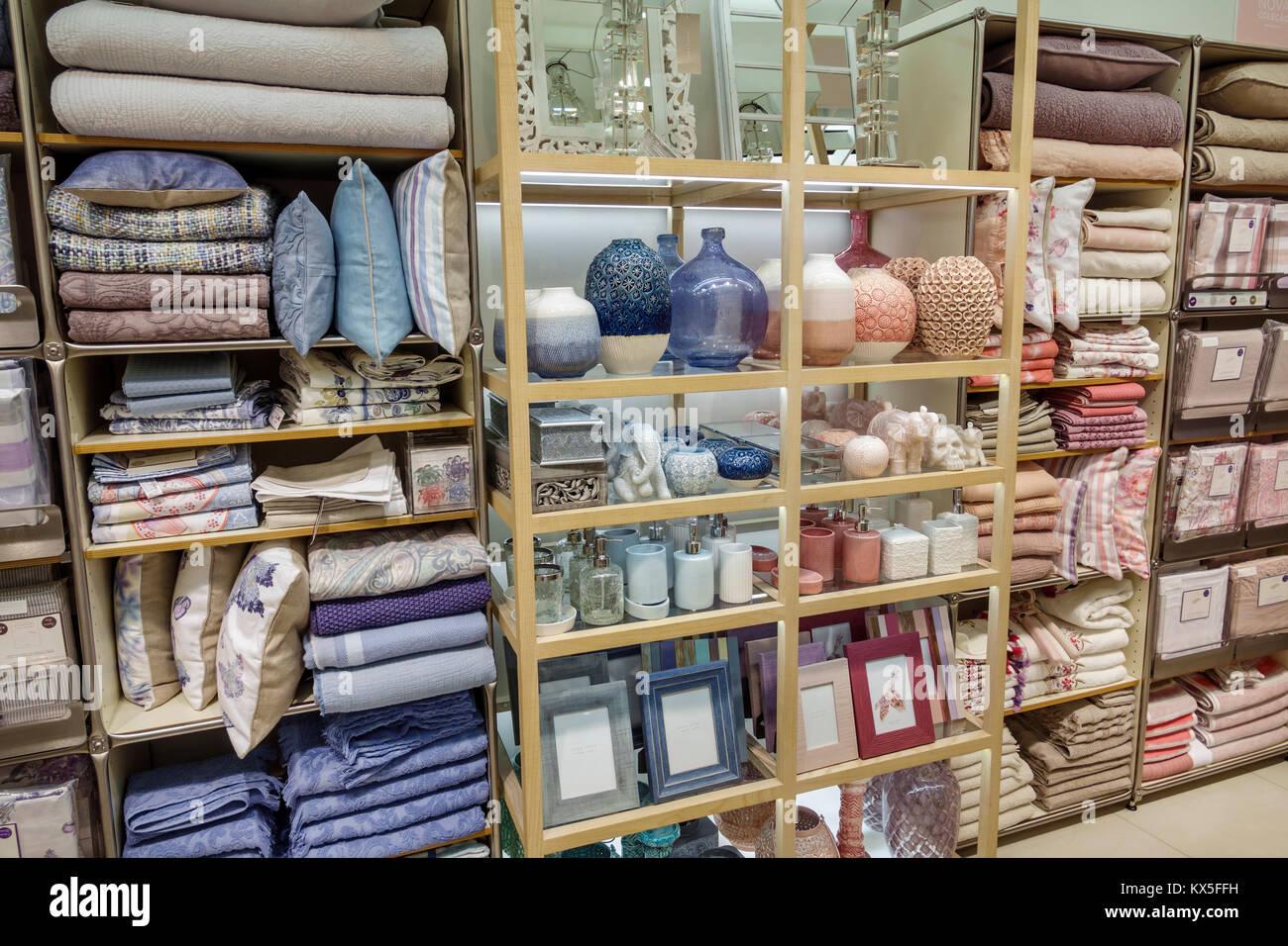 Porto Portugal Rotunda Da Boavista Zara Home Department Store Stock