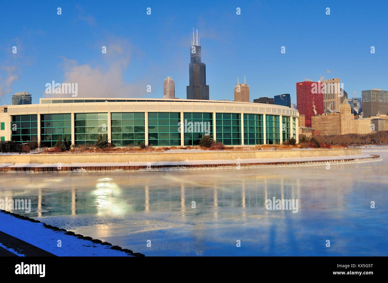 Winds and bitter cold with wind chill factors exceeding minus 20 degrees created vapor in Lake Michigan. Chicago, - Stock Image