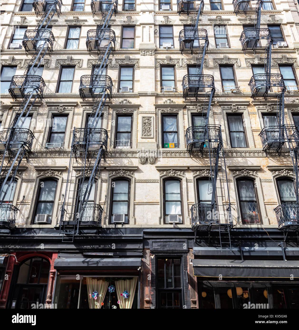 New York Apartments In Manhattan: Front Door Old New York Building Stock Photos & Front Door