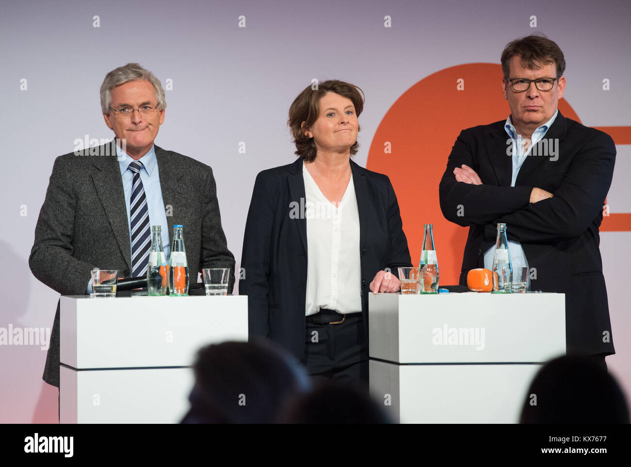 Berlin, Deutschland. 12th Dec, 2017. vl: Dr.Peter FREY (ZDF, Chefredakteur), ZDF Programmchefin Anke SCHOLTEN, ZDF Stock Photo