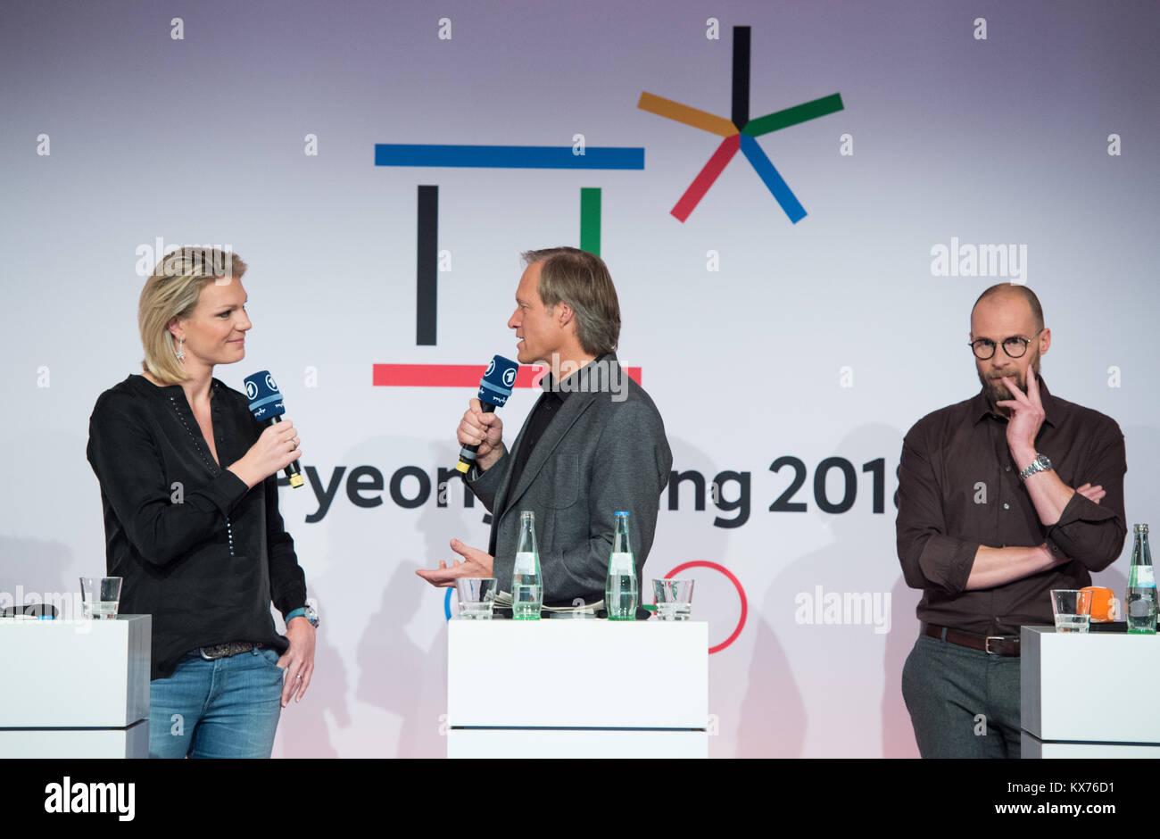 vl: Maria HOEFL-RIESCH (ARD Ski Alpin-Experte), Gerhard DELLING (ARD Moderator Olympia Live) und Marco BUECHEL (ZDF Stock Photo