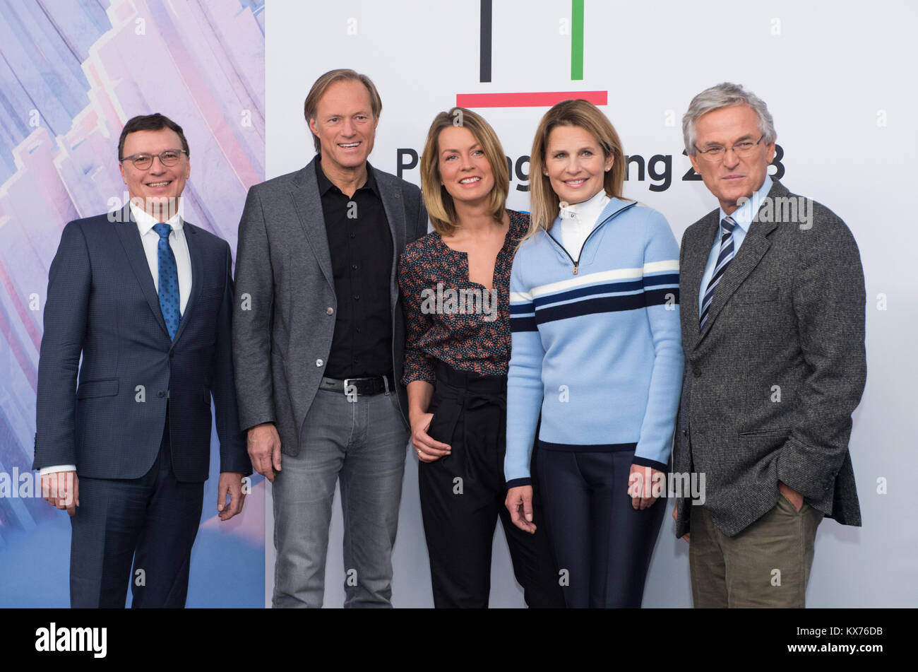 Berlin, Deutschland. 12th Dec, 2017. vl: Volker HERRES (ARD, Programmdirektor), Gerhard DELLING (ARD Moderator Olympia Stock Photo