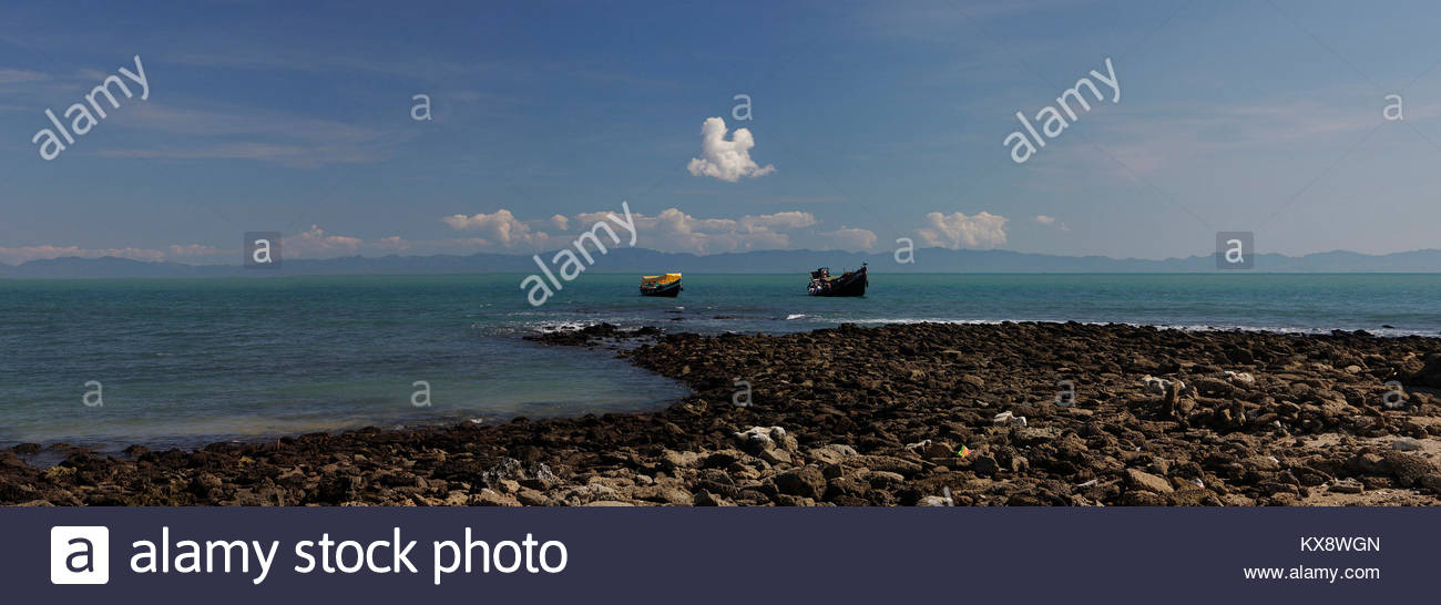 Chera Deep at high tide, St.Martins,Teknaf, Cox'sbazar,Chittagong, Bangladesh, South Asia, Asia - Stock Image