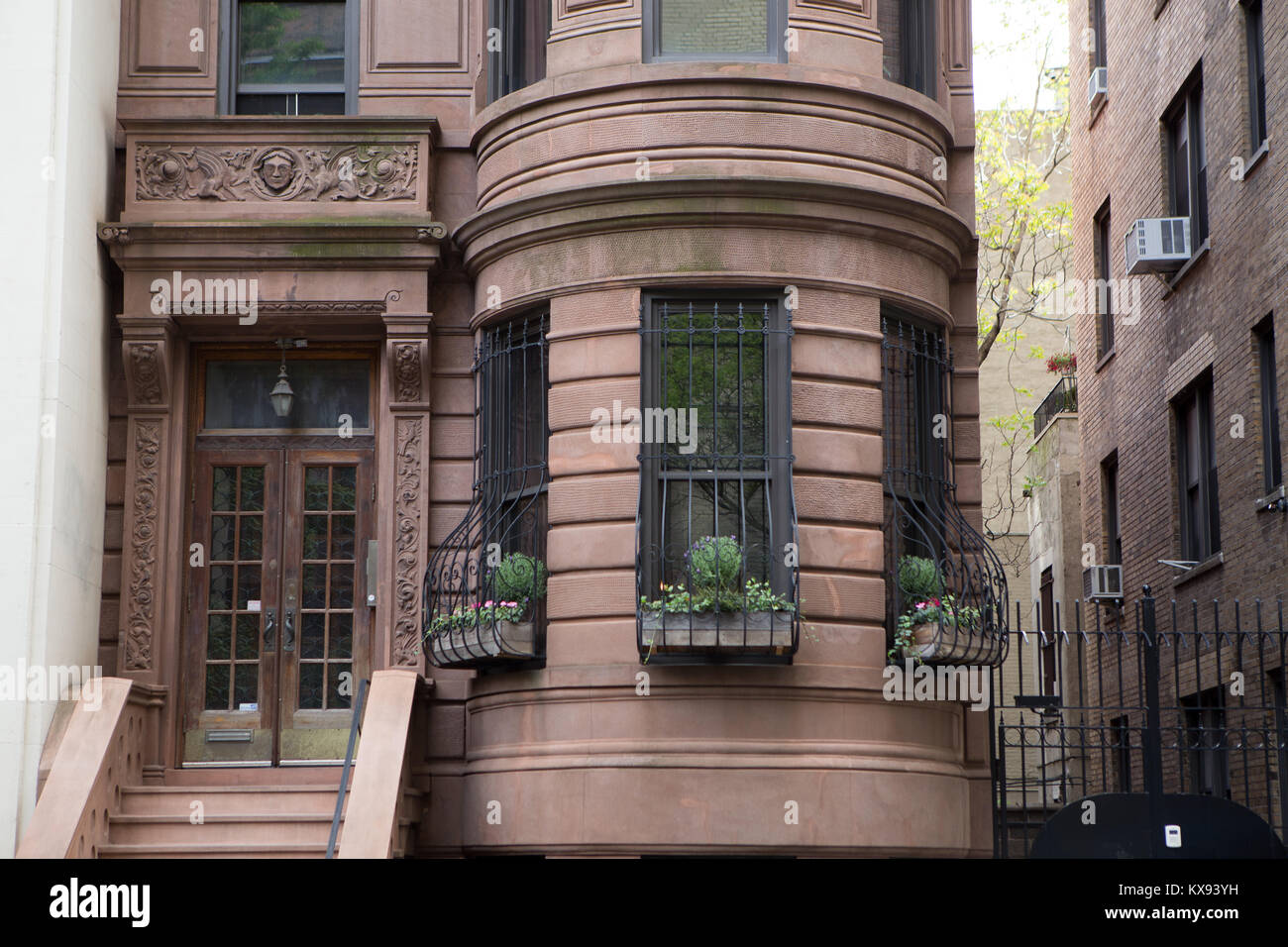 """A """"brownstone"""" house in Manhattan, NY Stock Photo"""