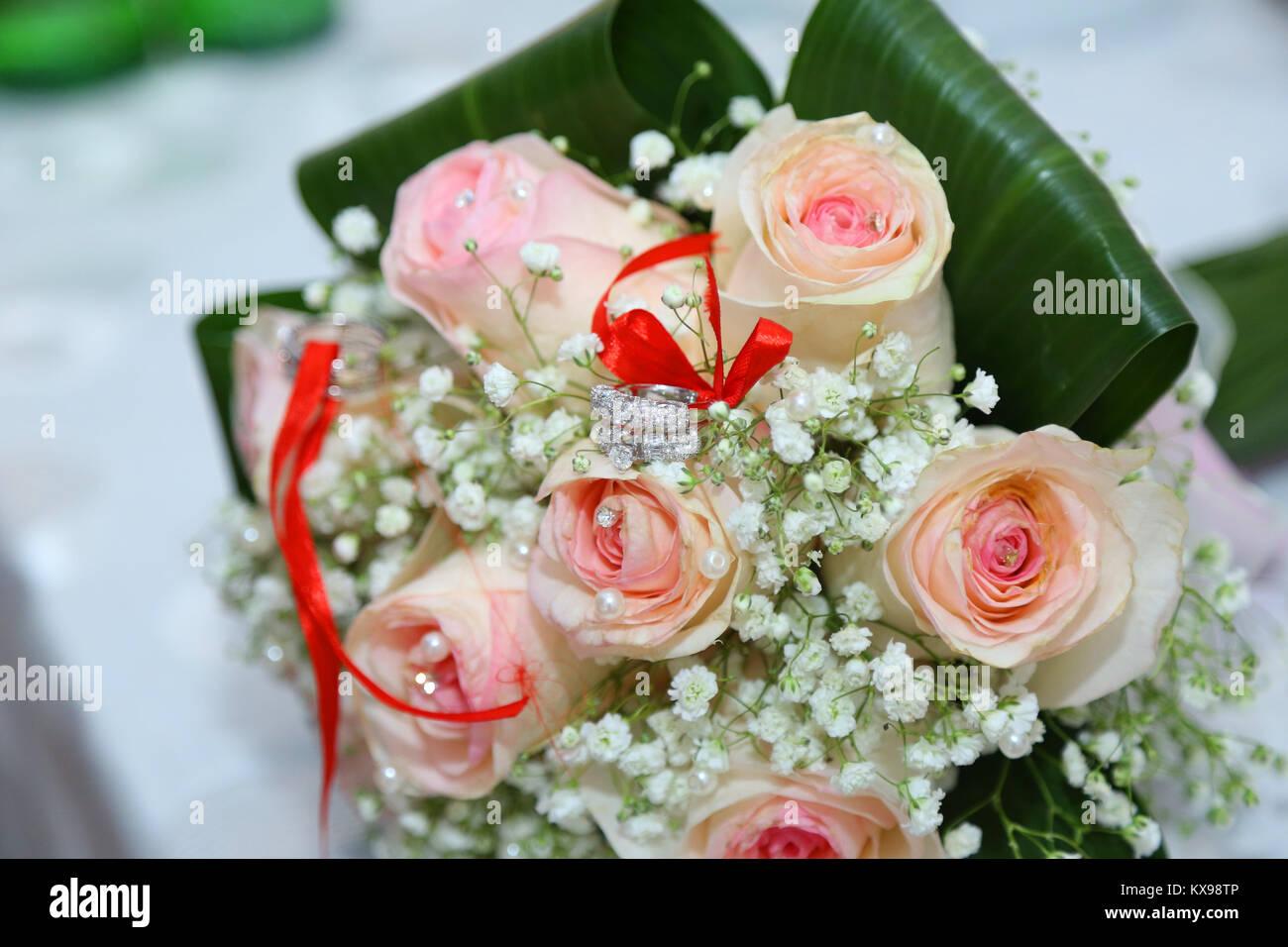 White wedding and engagement flower bouquet. Beautiful wedding Stock ...