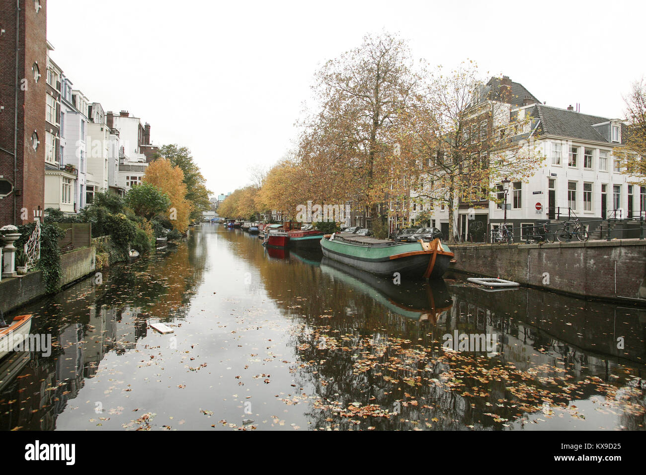 Lijnbaansgracht with houseboats at the quays 2007 - Stock Image