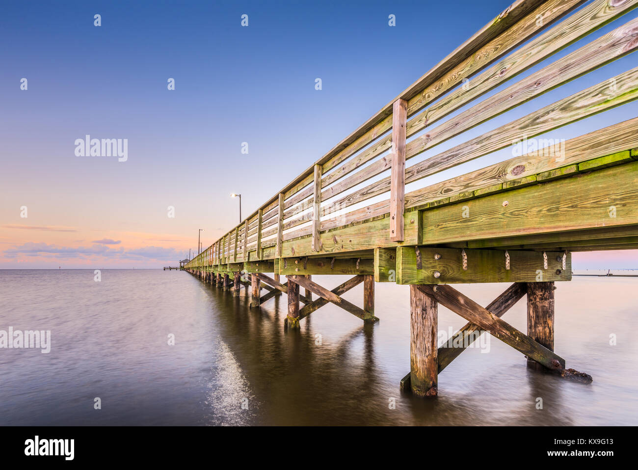 Biloxi Mississippi At Lighthouse Pier Stock Photo Alamy
