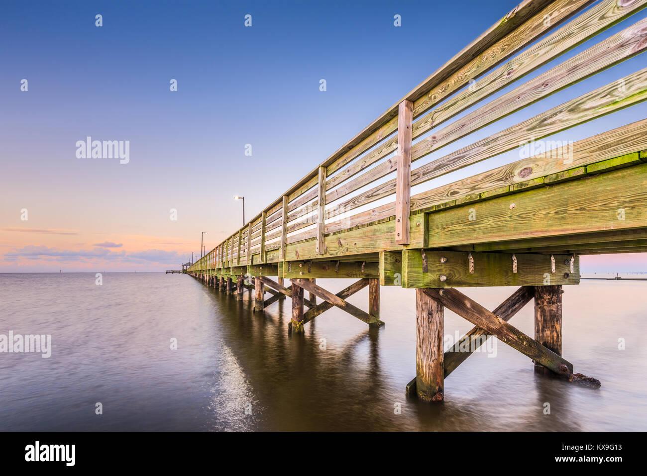 Biloxi Mississippi At Lighthouse Pier Stock Photo Alamy
