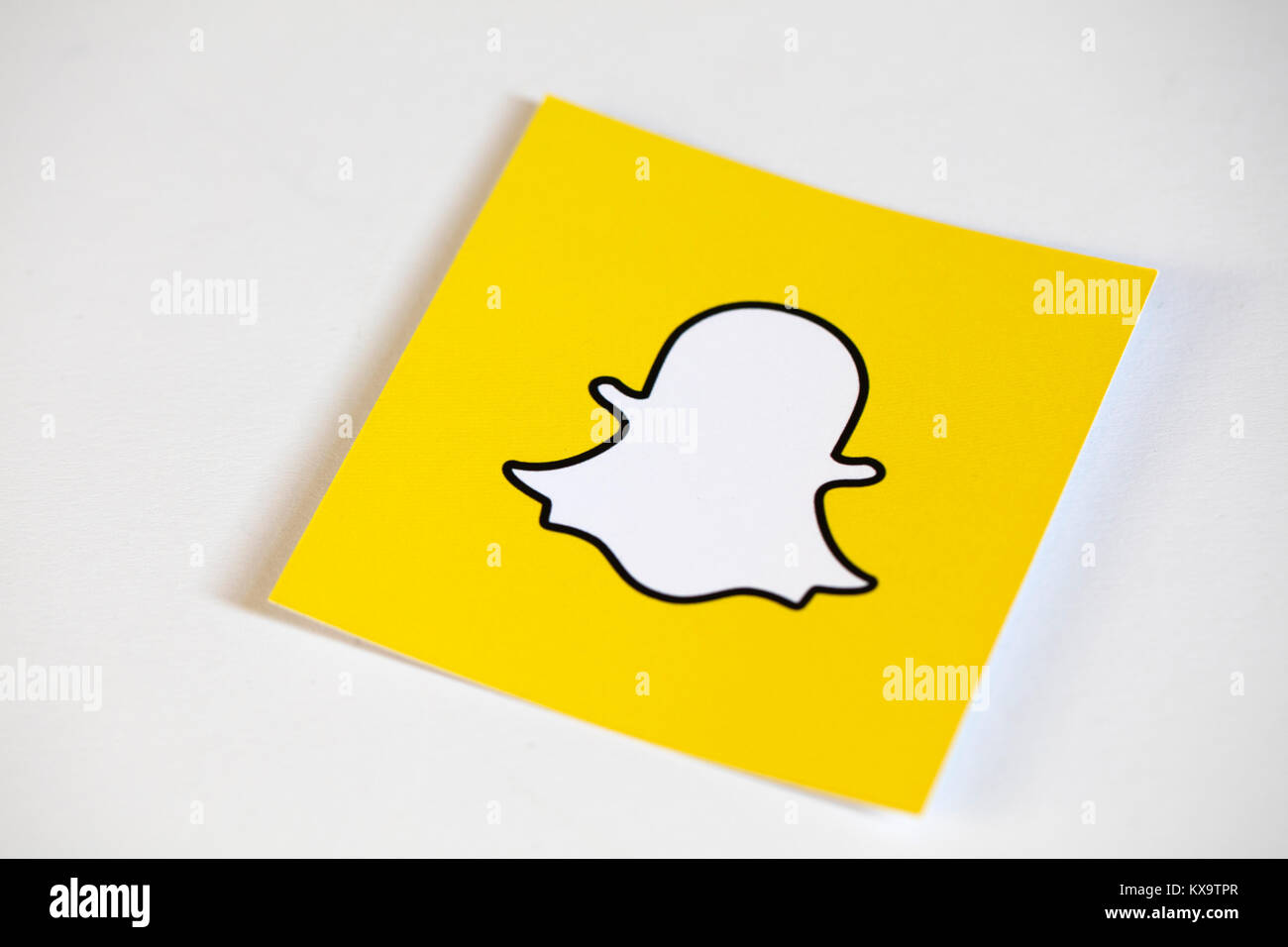 Snapchat Yellow Logo High Resolution Stock Photography And Images Alamy