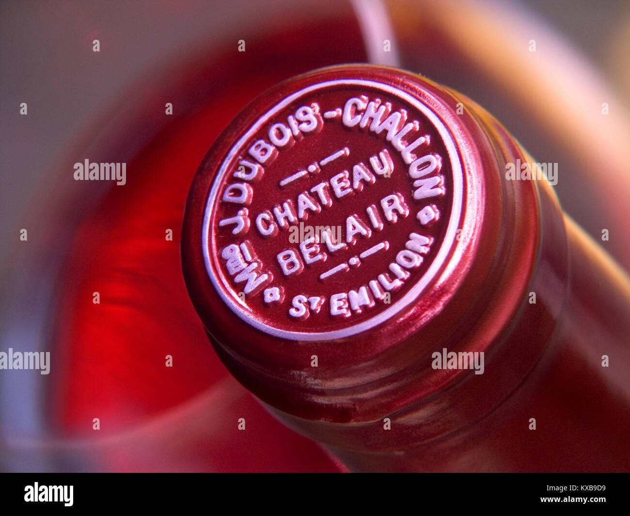 VINTAGE AGED CHATEAU BELAIR DETAIL BOTTLE TOP close up embossed encapsulation wine bottle top name Fine Bordeaux - Stock Image