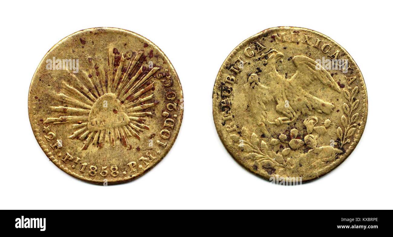 2 reales de San Luis Potosí de 1858 (falsa)(anverso y reverso) - Stock Image