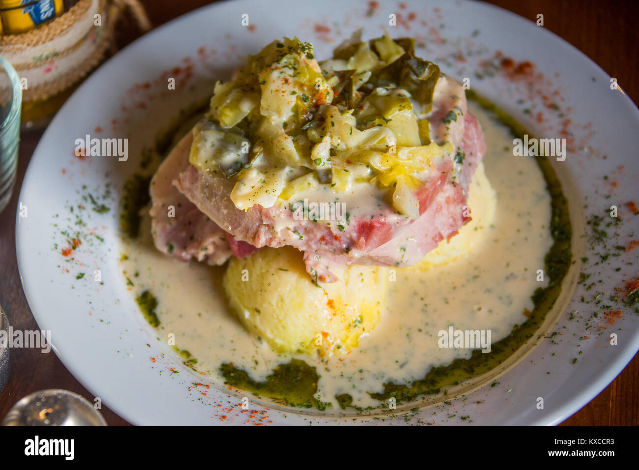 Traditional Bacon and Cabbage, Vaughan's Pub in Kilfenora, Co Clare, Ireland - Stock Image