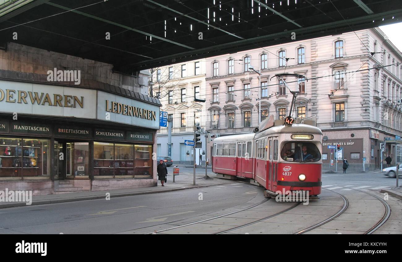 42 Währinger Straße-Volksoper Stock Photo