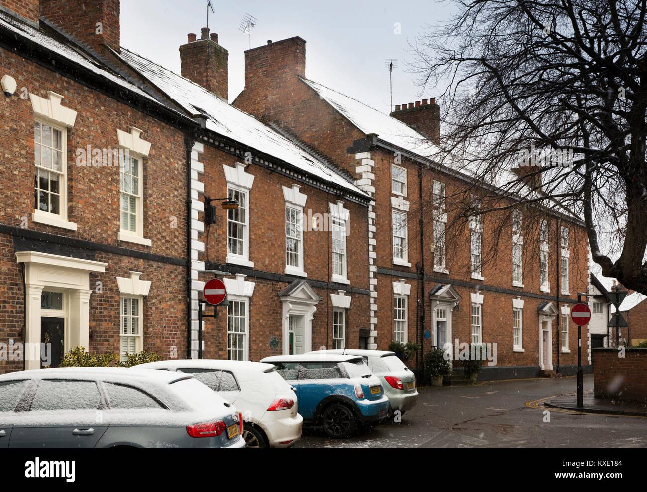 UK, England, Cheshire, Nantwich, Love Lane, elegant Georgian houses on cul-de-sac in winter - Stock Image