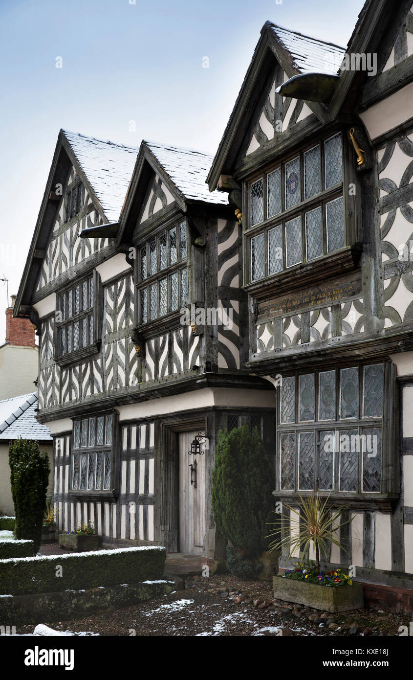 UK, England, Cheshire, Nantwich, London Road, 1577 Churches Mansion, one of the town's oldest buildings architectural Stock Photo