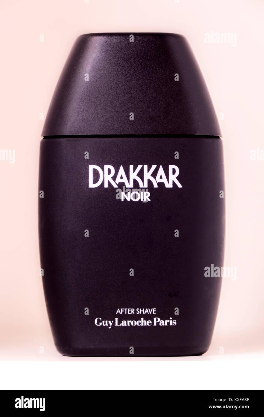 Drakkar Noir aftershave by Guy Laroche. Rare 1980s classic vintage, old alcohol, splash lotion, in black bottle - Stock Image