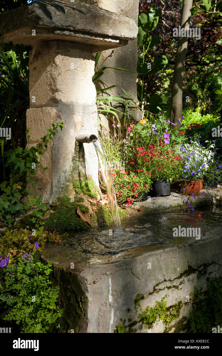 Garden tub and wash basin at Chateau Roussan near Saint Remy de-Provence, France - Stock Image