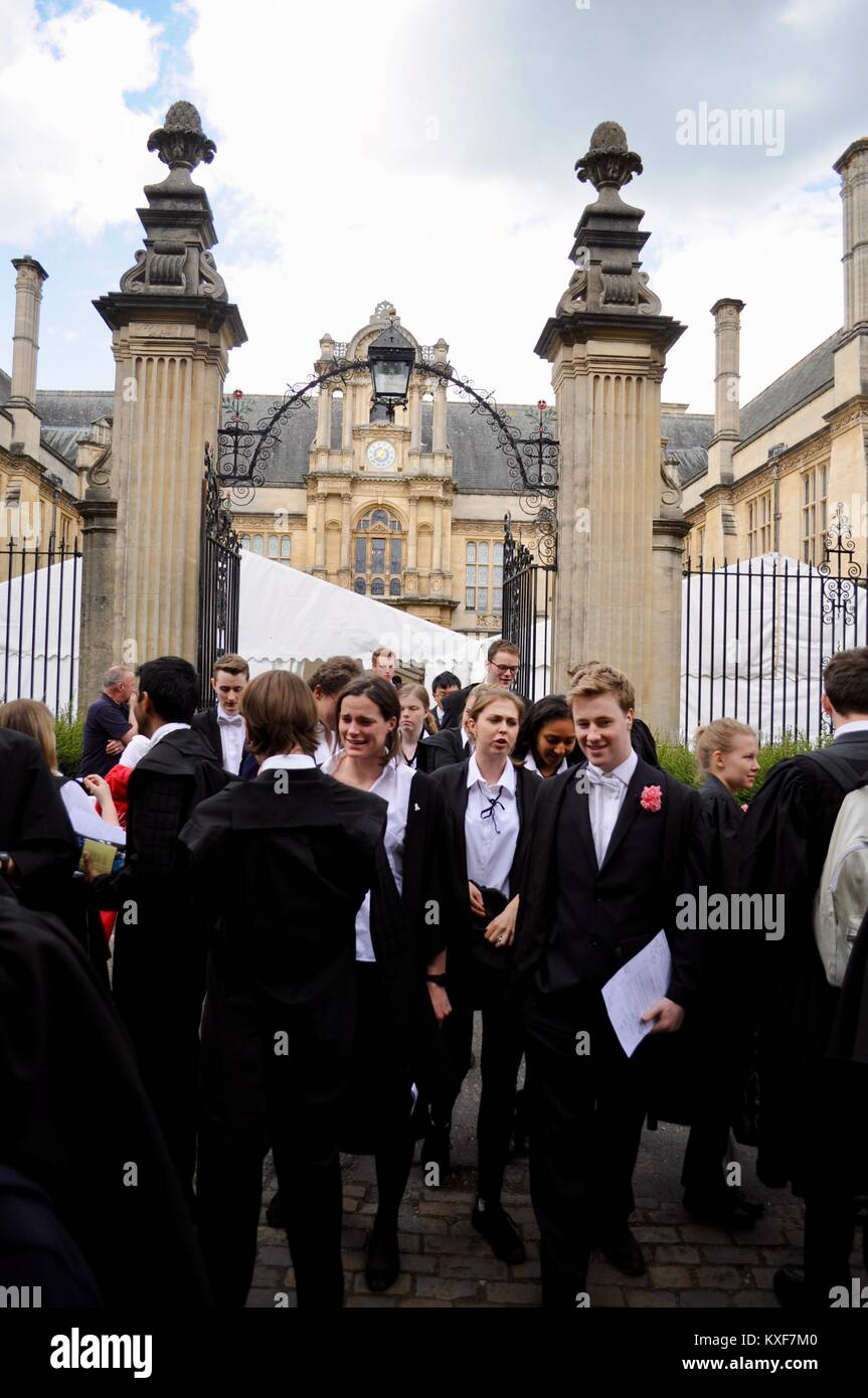 Students in gowns leaving examinations at Oxford University, England - Stock Image
