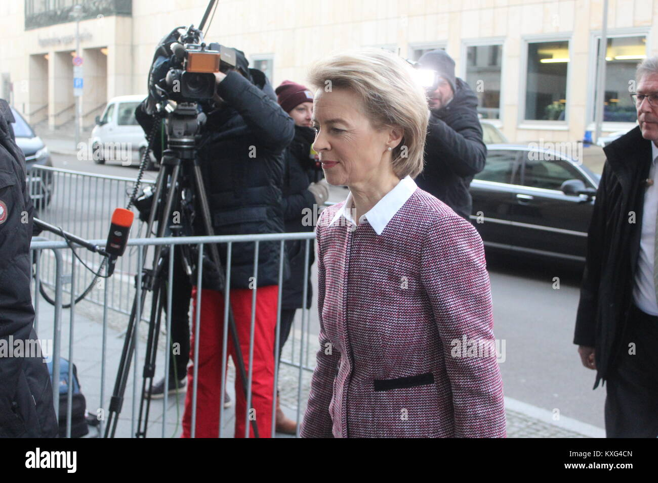 """Berlin, Germany. January 9th, 2018. Pictures of the """"Exploratory talk"""" (Sondierungsgespräch), Featuring Ursula - Stock Image"""
