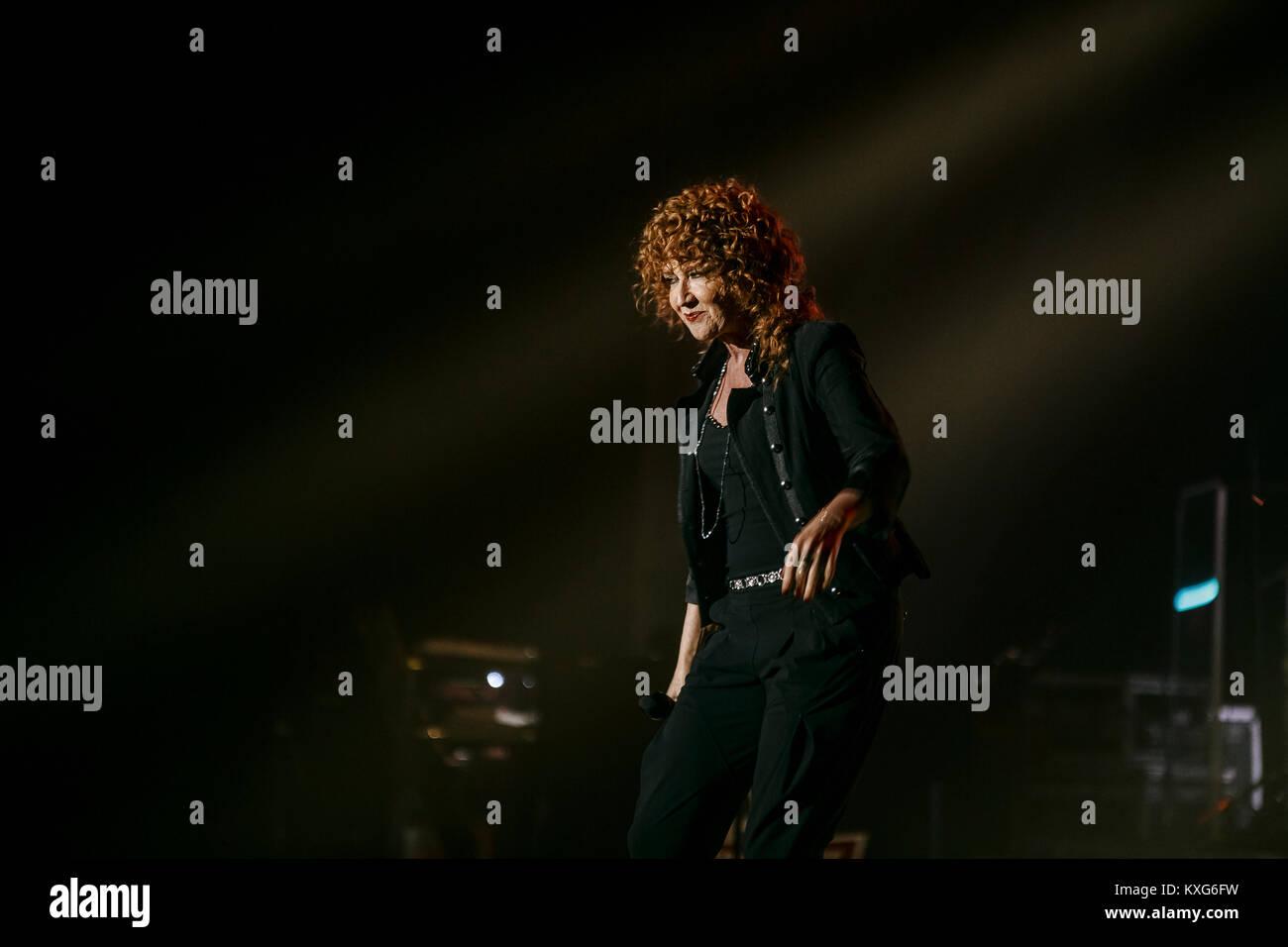 Bologna, Teatro Euroauditorium 09.01.2018. Fiorella Mannoia performing in Combattente Il Tour Credit Luigi Rizzo/Alamy Stock Photo