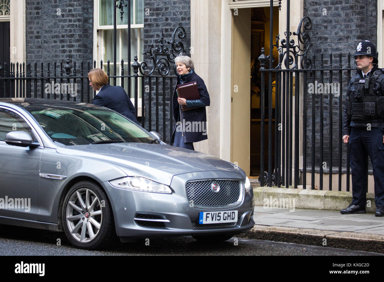 London, UK. 10th Jan, 2018. Prime Minister Theresa May leaves 10 Downing Street for Prime Minister's Questions - Stock Image