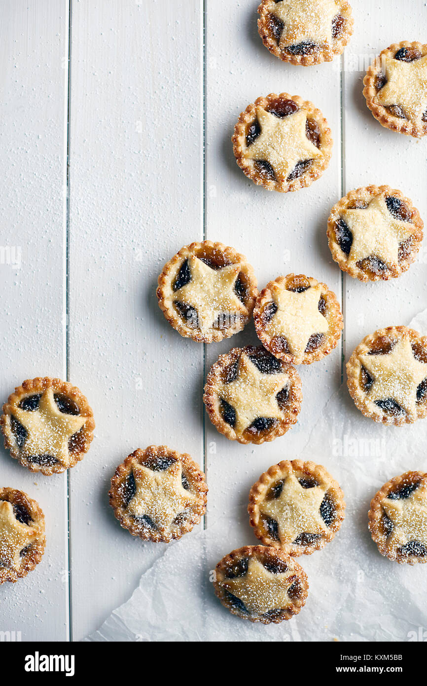 Freshly baked mince pies,overhead view - Stock Image